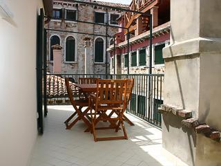 TERRACE ORANGE, Venice
