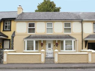 3 Fair Hill House - Killarney town - 2 BR sleeps 6