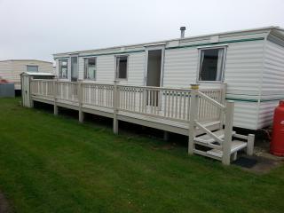 3 bedroom caravan - happy days - by the beach