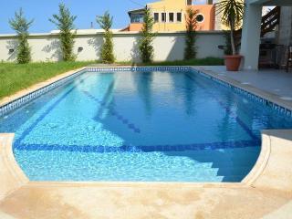 Luxury 5 bedrooms villa next to beach,private pool