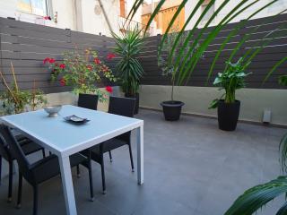 Barcelona4Seasons - Modern ap. with big terrace