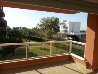 Deluxe apartment 400m to Beach, WIFI and pool, Praia da Rocha