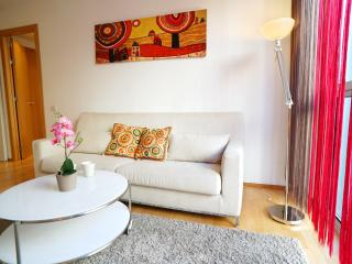 Barcelona4Seasons - Comfortable apartment near SF