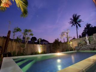 Kubu Jepun - 3 BR Simply designed Balinese Home, Canggu
