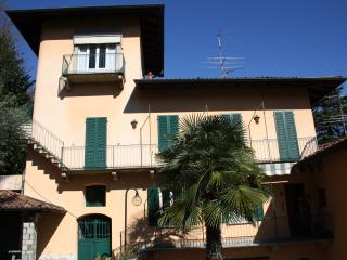 Apartment in beautiful Italian villa, Stresa