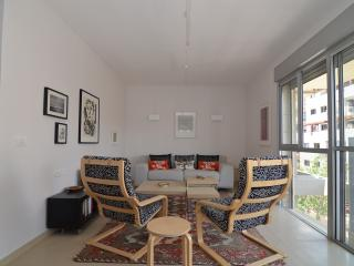 Ranak - (Old North) Tel Aviv - 2 Bed Apartment