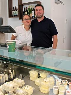 Aurélie et Marc, les fromagers au coeur du village...et ouvert le dimanche matin