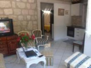 Cosy ground floor apartment with parking, Mokosica