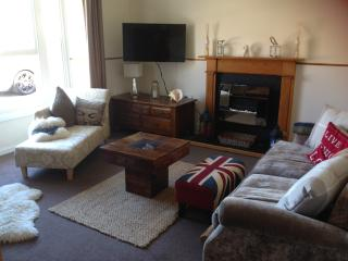 Ground Floor Apartment with Sea View and Terrace, Fishguard