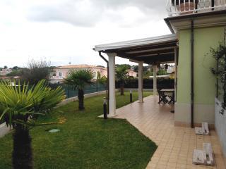 Appartamento con Giardino a due passi dal Mare, Numana