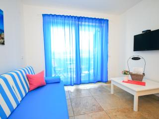Adorami Apartmants A5, Baska