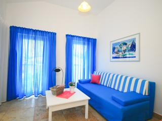 Adorami Apartments A3, Baska