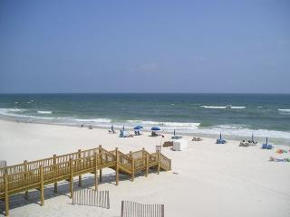 DIRECT GULF VIEW FROM BALCONY / 2BR/2BA / 9th Floor/Reserved Covered Parking