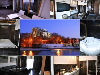 Up to 4 Stylish Apt Arcadia, Odesa