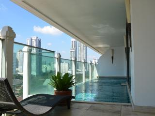 2 BR Luxury apartment with private pool in room, Bangkok