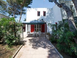 Villetta Fasano con giardino a 100 metri dal mare 01-08 SETTEMBRE PROMO!!!