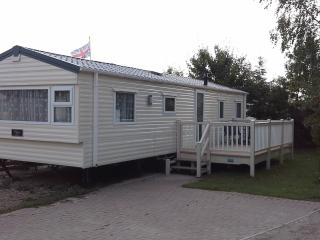 Lovely 8 berth holiday home, Tattershall