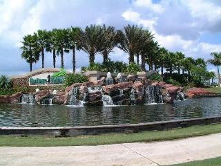 Luxury Lake and Golf Front Condo