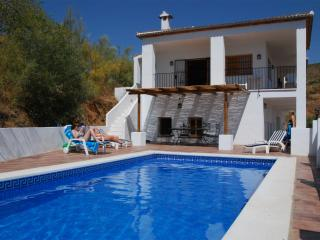 Fabulous Holiday Country Villa - very private, Colmenar