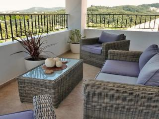 Villa Linakis with pool - your own stunning & private oasis in Arillas, Corfu!