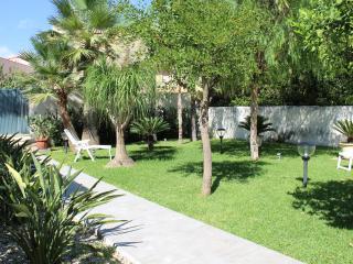 RE SOLE Case Vacanze/Appartamento NETTUNO in villa, Avola