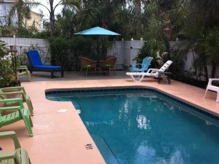 Barefoot Oceanview Heated Pool Cozy Beach Cottage