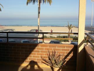 Apartamento vista al mar frente playa San Juan, Alicante