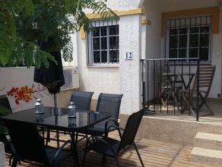 Stunning 3 bed 3 bath townhouse with air con/wifi, Gran Alacant