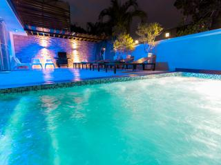 Playboys Mansion in Santo Domingo with pool 8BR