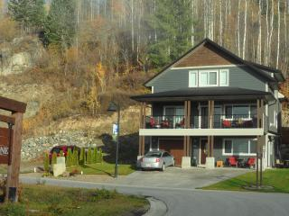 Lakevold Lodge, Rossland
