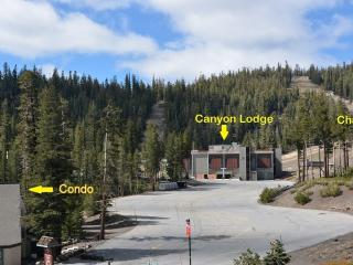 SPACIOUS 2 BD/2 BA CONDO NEXT TO CANYON LODGE, WITH NETFLIX, HULU, DISNEY+, ESPN