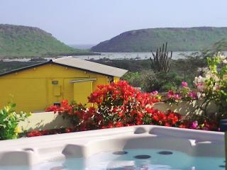 Amazing View Bungalows met jacuzzi, 180gr uitzicht, comfort, jeep en privacy