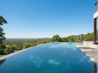 Alexandria Retreat - Luxury Noosa Hinterland B&B