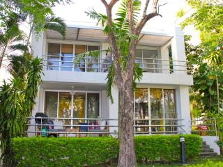 Samet View Beach House Rayong - Beach Front