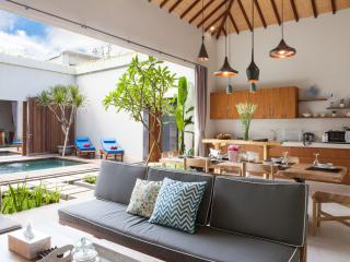 Brand-New spacious 4 bedrooms Villa Seminyak