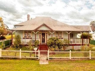 Curlew Cottage B&B Sparrow Double Room, Dungog