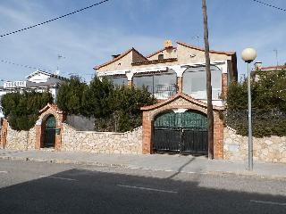 Casa para 12 personas con piscina y vistas al mar, Calafell