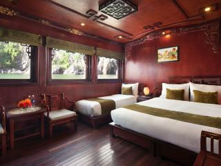 DELUXE FAMILY CABIN FOR 3PEOPLE ON ROYAL PALACE, Tuan Chau Island