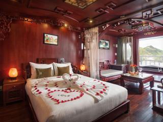 Royal Suite Cabin on Halong Royal Palace Cruise