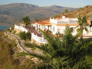 Spanish villa with a pool and terrace, Malaga