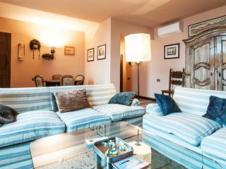 Ca' Nani, elegant apartment with lift in Dorsoduro, City of Venice