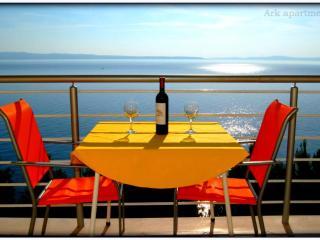 Ark 4* panoramic sea view suite 2/3, Stork