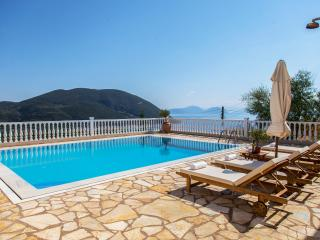 Apartment with Shared Swimming Pool and Sea View, Vasiliki