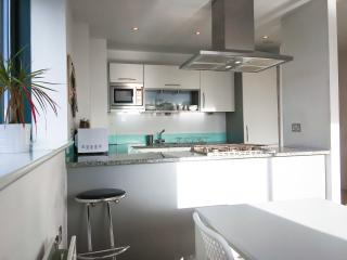 Central London 2 Bed Modern Apartment, Sleeps 6