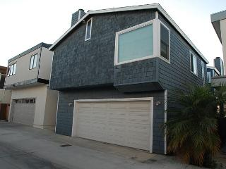 Great Bayside 2 Story Single Family Home with Bay Views! Family Fun!