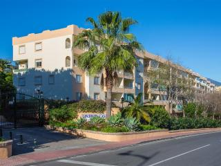 Spacious 3 Bed Apartment near Puerto Banus, Marbella