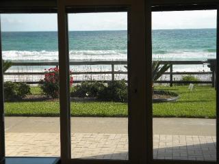 WALK out SLIDING DOOR to BEACH/REAL DEAL