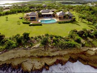 Luxury Oceanfront Villa with Spectacular Views, Long Bay