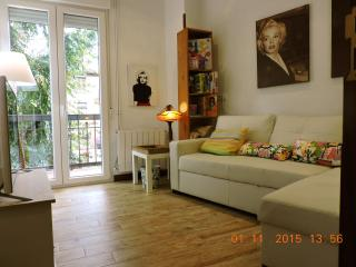 Madrid Downtown up to 6 Guests 3 double bedrooms Terrace Wifi Lift