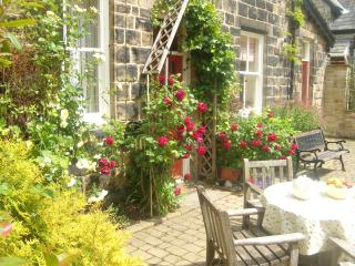 The sunny frontage to Orchard Cottage